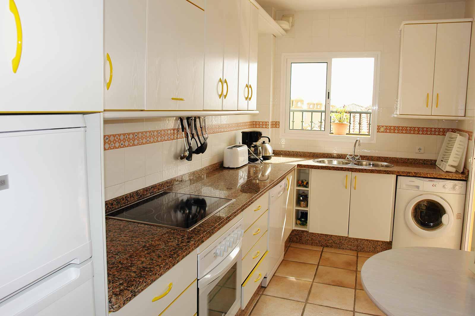 Carabeo2000-3_3- Kitchen