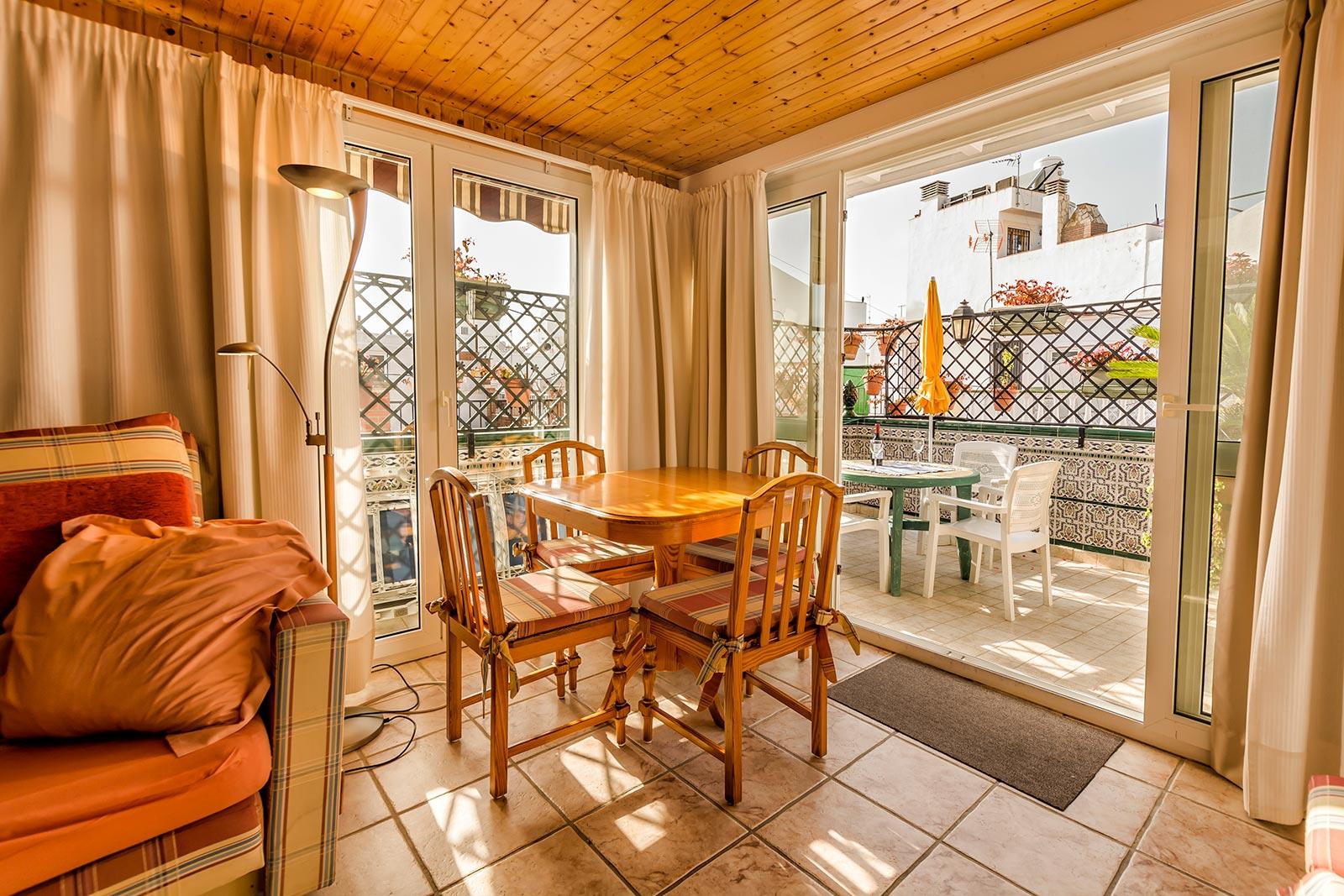 Casa-Charlotte 2ndFloor Living room