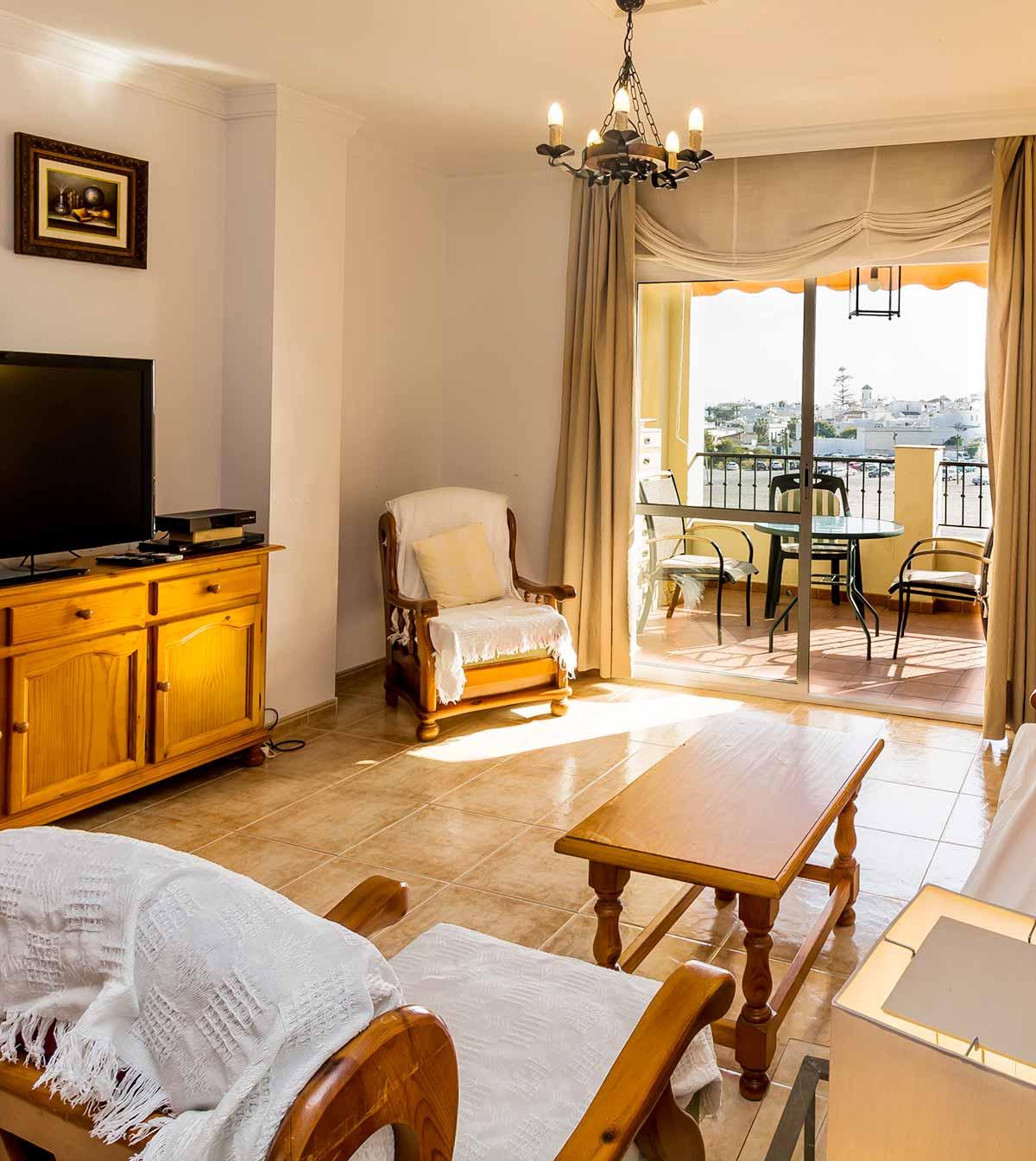 Carabeo2000-2_1 livingroom