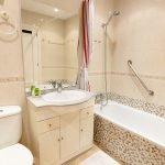 Carabeo2000-2_1 Bathroom
